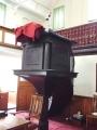 Gadsby_Manchester_Chapel_15_interieur_preekstoel+galerijhek_origineel